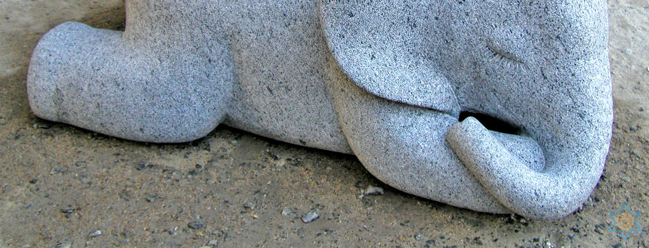 Auryaj granite stone statues, sculptures, and artworks for interior, exterior, and landscape decorations and designs